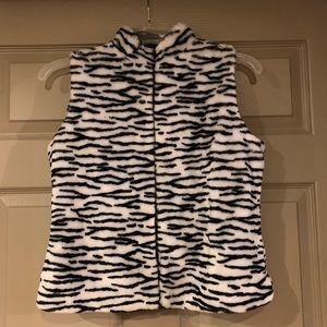 Zebra faux fur vest 🦓🖤
